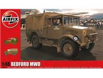 Airfix slepovací model Bedford MWD Light Truck 1:48